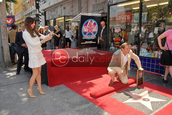 Roma Downey and Mark Burnette<br /> at the Hollywood Walk of Fame induction ceremoney for Mark Burnette, Hollywood, CA 07-08-09<br /> David Edwards/Dailyceleb.com 818-249-4998