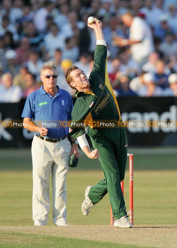Tim Phillips - Essex County Cricket Club - 24/07/06 - (Gavin Ellis 2006)