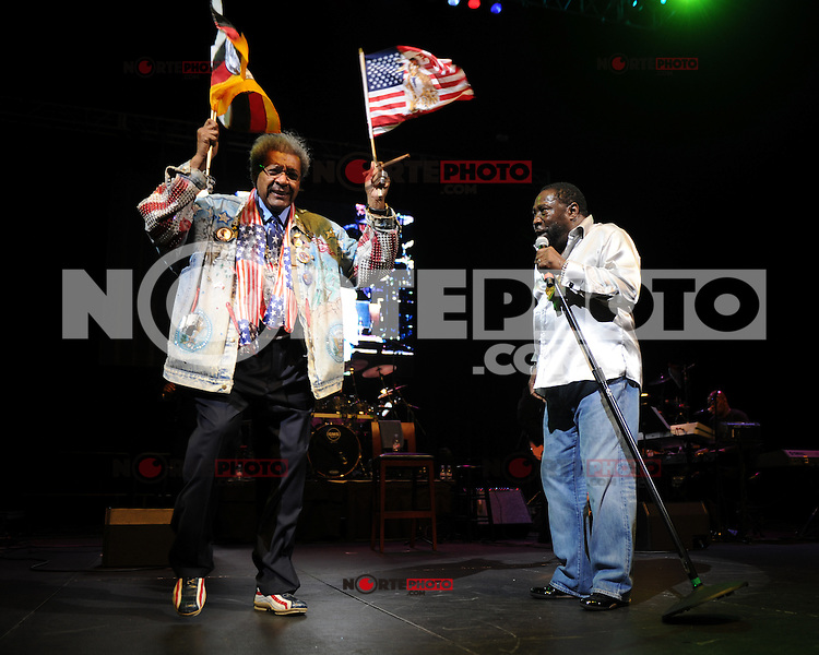 HOLLYWOOD FL - JUNE 22 : Don King and Eddie Levert perform during Don King's 80th birthday celebration at Hard Rock live held at the Seminole Hard Rock Hotel & Casino on June 22, 2012 in Hollywood, Florida. © mpi04/MediaPunch Inc NORTEPHOTO.COM<br />