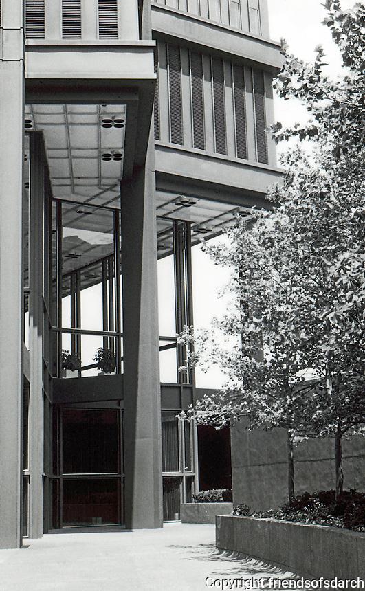 Pittsburgh: U.S. Steel Bldg. 1971. Harrison & Abramovitz.