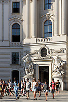 Alte Hofburg, Tor zum Michaeler Platz, Wien, &Ouml;sterreich, UNESCO-Weltkulturerbe<br /> Old Hofburg, gate to Michaeler Platz, Vienna, Austria, world heritage