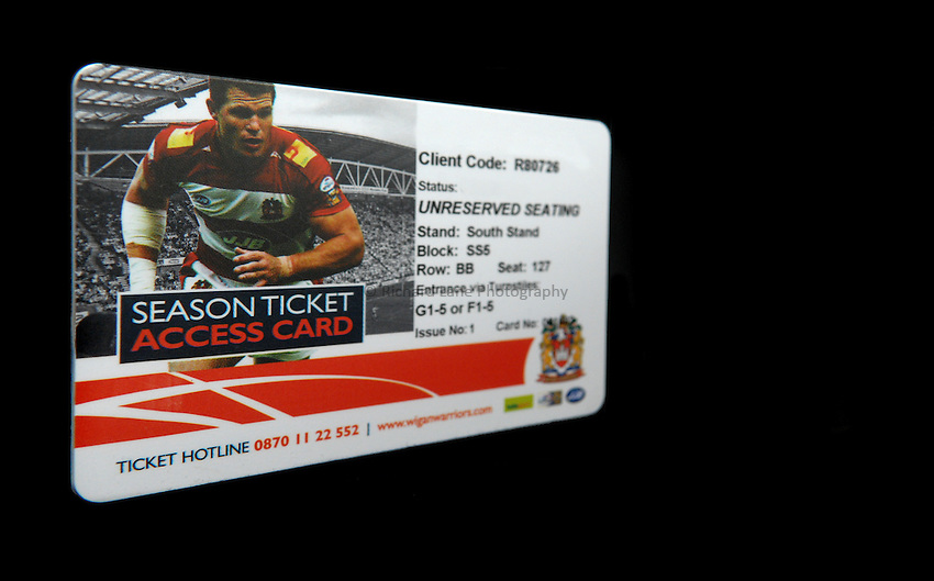 Photo: Paul Greenwood..Wigan Warriors v Hull KR. Engage Super League 2007. 02/03/2007..Wigan Warriors Season Ticket