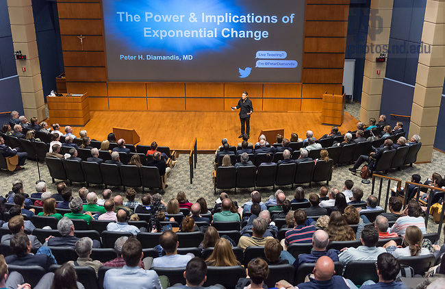 September 8, 2017; Peter Diamandis speaks in Jordan Auditorium as part of the Thomas Quinn Lecture Series in the Mendoza College of Business.  (Photo by Barbara Johnston/University of Notre Dame)