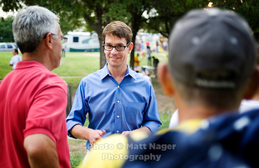FOX News producer and television personality Griff Jenkins (cq) meets with fans after a Tea Party Express rally at Indian Spring Park in Waco, Texas, Thursday, September 3, 2009. The Tea Party Express is heading to Washington, DC where it will hold a final rally and march...MATT NAGER/ SPECIAL CONTRIBUTOR