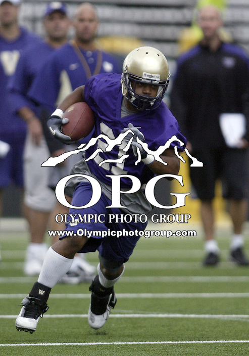 Aug 25, 2009:  Washington Huskies running back #21 Willie Griffin races up field during practice drills at Husky Stadium in Seattle, Washington..