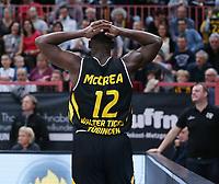 Basketball  1. Bundesliga  2017/2018  Hauptrunde  14. Spieltag  23.12.2017 Walter Tigers Tuebingen - Basketball Laewen Braunschweig Enttaeuschung; Javon McCrea (Tigers) nachdenklich