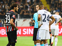 Schiedsrichter Orel Grinfeld ermahnt Goncalo Paciencia (Eintracht Frankfurt), Alexander Djiku (Racing Club de Strasbourg Alsace) - 29.08.2019: Eintracht Frankfurt vs. Racing Straßburg, UEFA Europa League, Qualifikation, Commerzbank Arena<br /> DISCLAIMER: DFL regulations prohibit any use of photographs as image sequences and/or quasi-video.