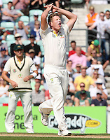 James Faulkner of Australia goes close - England vs Australia - 5th day of the 5th Investec Ashes Test match at The Kia Oval, London - 25/08/13 - MANDATORY CREDIT: Rob Newell/TGSPHOTO - Self billing applies where appropriate - 0845 094 6026 - contact@tgsphoto.co.uk - NO UNPAID USE