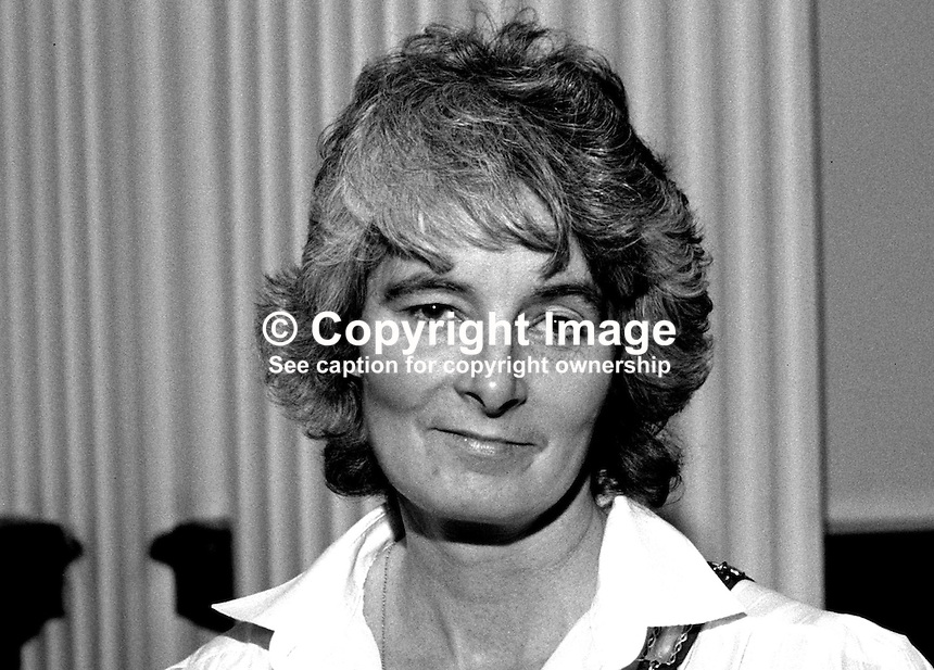 Mrs Anna Crane, chairman, Belfast Chamber of Trade, N Ireland, 19850040AC..Copyright Image from Victor Patterson, 54 Dorchester Park, Belfast, UK, BT9 6RJ..Tel: +44 28 9066 1296.Mob: +44 7802 353836.Voicemail +44 20 8816 7153.Skype: victorpattersonbelfast.Email: victorpatterson@mac.com.Email: victorpatterson@ireland.com (back-up)..IMPORTANT: If you wish to use this image or any other of my images please go to www.victorpatterson.com and click on the Terms & Conditions. Then contact me by email or phone with the reference number(s) of the image(s) concerned.