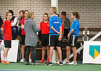 Januari 24, 2015, Rotterdam, ABNAMRO, Supermatch, Gila Langen with ballkids<br /> Photo: Tennisimages/Henk Koster