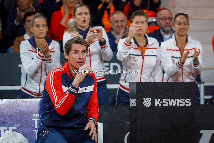 The Hague, The Netherlands, Februari 8, 2020,    Sportcampus, FedCup  Netherlands -  Balarus, First match on Saturday:  The Dutch bench: Captain Haarhuis<br /> Photo: Tennisimages/Henk Koster