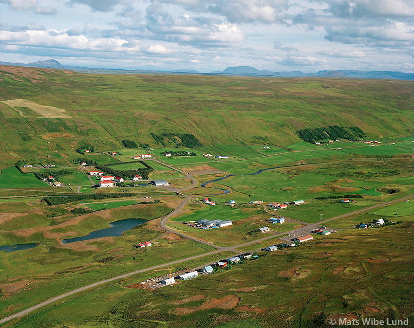 Laugar, Reykjadalur, loftmynd séð til suðausturs.Laugar in Reykjadalur, aerial viewing southeast.