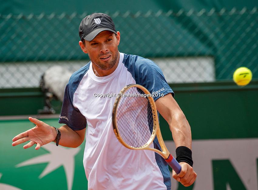 Paris, France, 22 June, 2016, Tennis, Roland Garros, Doubles : Mike Bryan (USA)<br /> Photo: Henk Koster/tennisimages.com