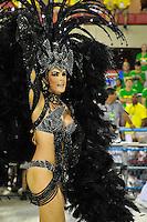 RIO DE JANEIRO, RJ, 21 DE FEVEREIRO DE 2012 - Desfiles das Escolas de Samba do Grupo Especial -  A atriz e apresentadora Ana Hickman, durante o desfile da escola de samba Grande Rio  na Marquês de Sapucaí. FOTO GLAICON EMRICH - AGÊNCIA BRAZIL PHOTO PRE