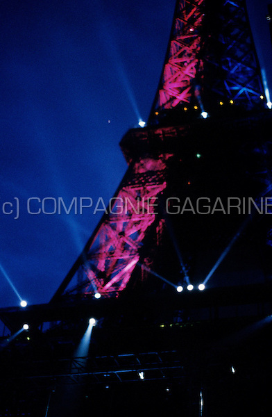 Jean Michel Jarre's spectacular Concert For Tolerance at the Eiffel Tower in Paris in front of an audience of 1200000 people, to celebrate the 50th anniversary of the Unesco organisation (France, 14/07/1995)