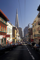 AJ3774, San Francisco, Chinatown, Bay Area, California, Street scene in Chinatown in San Francisco in the state of California.