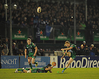 4th January 2014 Darragh Leader, Connacht, kicks a penalty but fails to score. Rabodirect Pro12, Connacht v Leinster, Sportsground, Galway. Picture credit: Tommy Grealy/actionshots.ie.