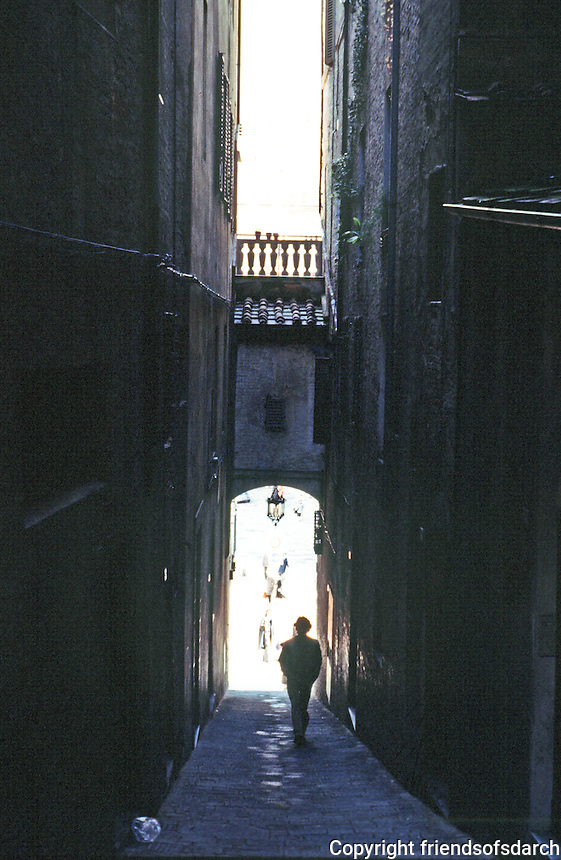 Siena:  Approaching Piazza Del Campo.  Photo '83.