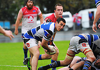 Lindsay Horrocks looks to pass druing the Mitre 10 Heartland Championship rugby union match between Horowhenua Kapiti and Wanganui at Levin Domain in Levin, New Zealand on Saturday, 7 October 2017. Photo: Dave Lintott / lintottphoto.co.nz