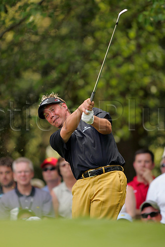 6 April 2005: British golfer Darren Clarke plays an iron during the Masters Tournament held at Augusta National Golf Club, Atlanta, Georgia. Photo: Actionplus..050406