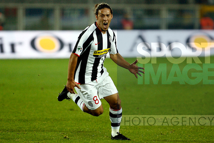 Mauro Camoranesi of Juventus celebrates his goal