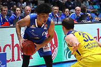 Tai Webster (Fraport Skyliners) gegen Rasid Mahalbasic (EWE Baskets Oldenburg) - 05.11.2017: Fraport Skyliners vs. EWE Baskets Oldenburg, Fraport Arena Frankfurt