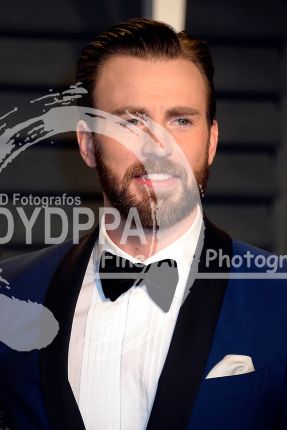 Chris Evans attends the 2017 Vanity Fair Oscar Party hosted by Graydon Carter at Wallis Annenberg Center for the Performing Arts on February 26, 2017 in Beverly Hills, California.