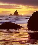 USA; California; Trinadad.; Sunset over Trinadad Beach on the Pacific Ocean