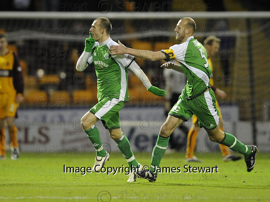 22/11/2008  Copyright Pic: James Stewart.File Name : sct_jspa15_motherwell_v_hibernian.STEVEN FLETCHER CELEBRATES WITH ROB JONES AFTER HE SCORES HIBS THIRD.James Stewart Photo Agency 19 Carronlea Drive, Falkirk. FK2 8DN      Vat Reg No. 607 6932 25.Studio      : +44 (0)1324 611191 .Mobile      : +44 (0)7721 416997.E-mail  :  jim@jspa.co.uk.If you require further information then contact Jim Stewart on any of the numbers above.........