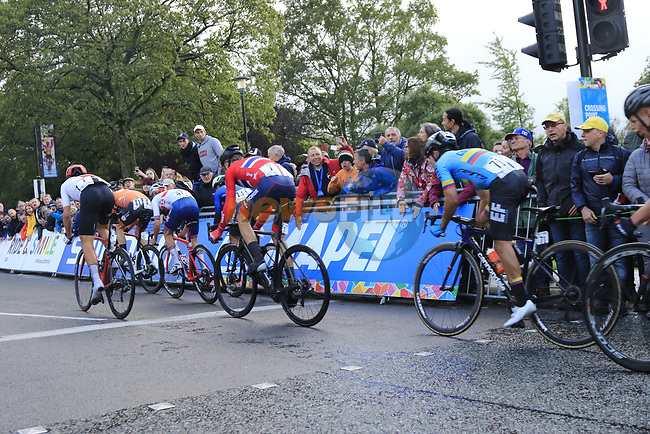 The lead group featuring Nils Eekhoff (NED), Stefan Bissegger (SUI), Thomas Pidcock (GBR), Samuele Battistella (ITA), Tobias Foss and Sergio Andreas Higuita (COL) climbs Parliment Street on the Harrogate circuit during the Men U23 Road Race of the UCI World Championships 2019 running 186.9km from Doncaster to Harrogate, England. 27th September 2019.<br /> Picture: Eoin Clarke | Cyclefile<br /> <br /> All photos usage must carry mandatory copyright credit (© Cyclefile | Eoin Clarke)