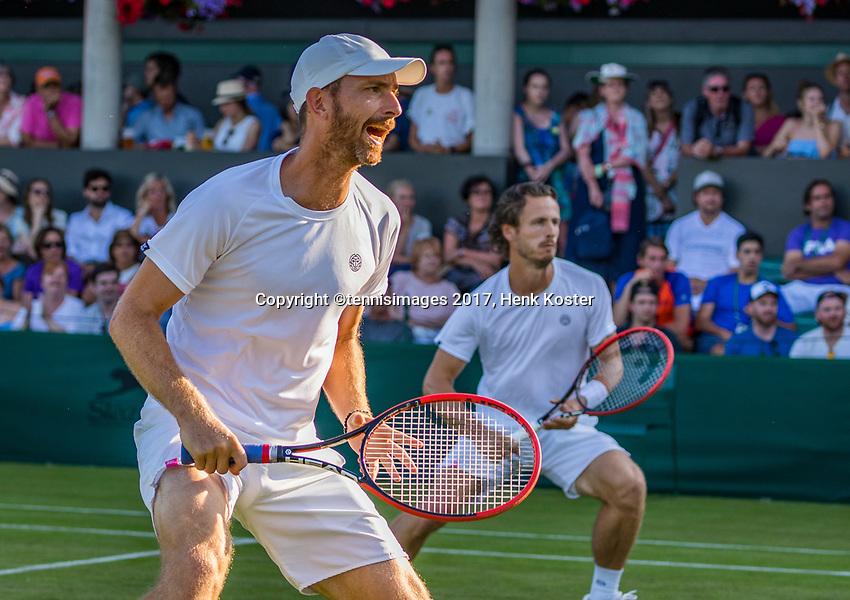 London, England, 5 th July, 2017, Tennis,  Wimbledon, Men's doubles Wesley Koolhof (NED) (R) / Matwe Middelkoop (NED)<br /> Photo: Henk Koster/tennisimages.com