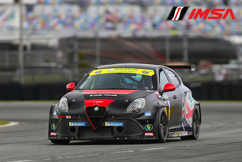 #5 KMW Motorsports with TMR Engineering Alfa Romeo Giulietta TCR, TCR: Roy Block, Tim Lewis Jr.