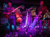 CIUDAD DE MÉXICO, septiembre 18, 2014. Demián Galvez, Dan Zlotnik, Rodrigo Barbosa y Carlos Maldonado del grupo de Jazz de Los Dorados durante su concierto en el salón Pata Negra de la Ciudad de México, el 18 de septiembre de 2014. FOTO: ALEJANDRO MELÉNDEZ