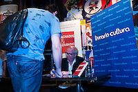 """SÃO PAULO-SP-04,11,2014-ACHADOS & ROUBADAS- O Publicitário Washington Olivetto,63 durante lançamento do livro: """"Achados e Roubadas - Experiências gastronômicas de Washington Olivetto ao redor do mundo"""".Local:Bar Astor;Vila Madalena,região oeste da cidade de São Paulo,na noite dessa terça-feira,04(Foto:Kevin David/Brazil Photo Press)"""