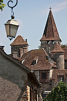 Europe/Europe/France/Midi-Pyrénées/46/Lot/Carennac: Clocher de l'église Saint-Pierre et toits des maisons du village - Plus Beaux Villages de France