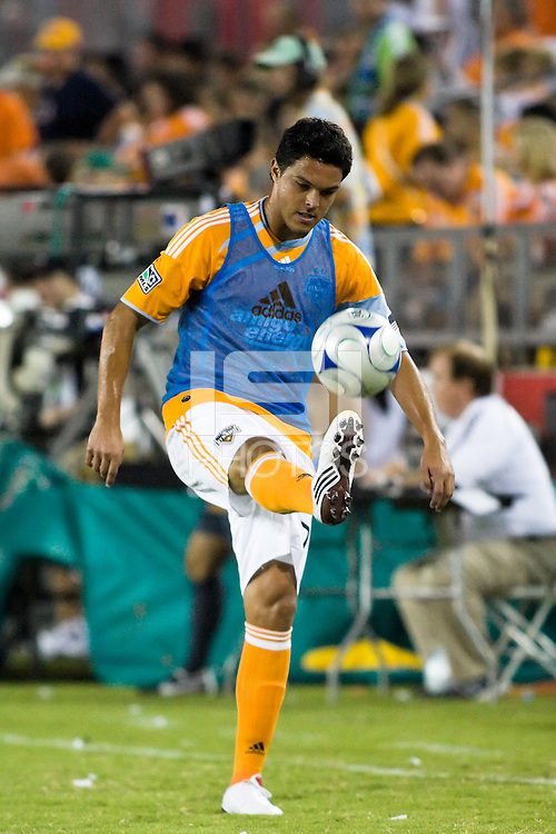 Houston Dynamo forward Luis Angel Landin (7) warms up at half time.  Houston Dynamo tied Seattle Sounders 1-1 on August 23, 2009 at Robertson Stadium in Houston, TX.