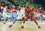 ****BETALBILD**** <br /> Uppsala 2015-04-24 Basket SM-Final 3 Uppsala Basket - S&ouml;dert&auml;lje Kings :  <br /> Uppsalas Oluoma Nnamaka i kamp om bollen med S&ouml;dert&auml;lje Kings John Roberson under matchen mellan Uppsala Basket och S&ouml;dert&auml;lje Kings <br /> (Foto: Kenta J&ouml;nsson) Nyckelord:  Basket Basketligan SM SM-final Final Fyrishov Uppsala S&ouml;dert&auml;lje Kings SBBK