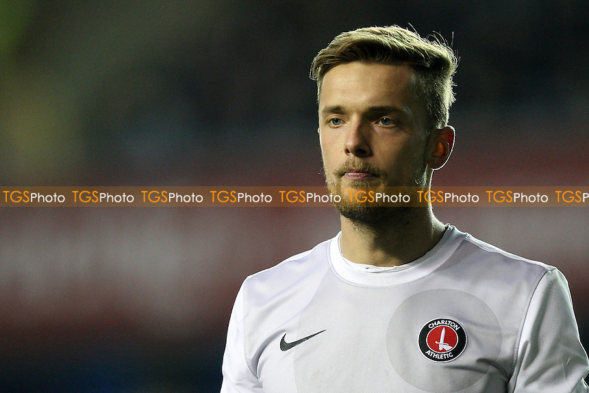 Ben Hamer of Charlton Athletic - Millwall vs Charlton Athletic - NPower Championship Football at the New Den, London - 01/12/12 - MANDATORY CREDIT: Gavin Ellis/TGSPHOTO - Self billing applies where appropriate - 0845 094 6026 - contact@tgsphoto.co.uk - NO UNPAID USE.