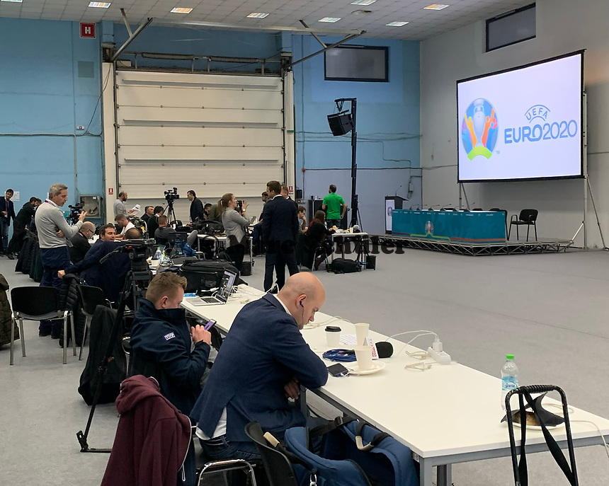 Medien-Arbeitsbereich in der Romexpo  - 30.11.2019: UEFA EURO2020 Auslosung, Romexpo Bukarest, DISCLAIMER: UEFA regulations prohibit any use of photographs as image sequences and/or quasi-video.