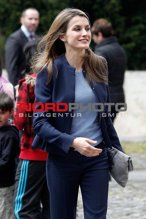 Princess Letizia of Spain visits the villages of Haro and San Millan de la Cogolla in La Rioja.May 14,2013. Foto © nph / Acero)