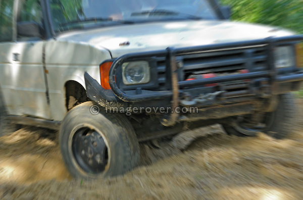 Off roading one of the very first 1988 Land Rover Discovery Tdi200 prototypes C60JKG, now part of the Dunsfold Collection. Europe, UK, England. --- No releases available. Automotive trademarks are the property of the trademark holder, authorization may be needed for some uses.