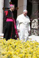 Papa Francesco lascia il sagrato insieme a Monsignor Georg Gaenswein al termine dell'udienza generale del mercoledi' in Piazza San Pietro, Citta' del Vaticano, 30 marzo 2016.<br /> Pope Francis, flanked by Monsignor Georg Gaenswein, leaves at the end of his weekly general audience in St. Peter's Square at the Vatican, 30 March 2016.<br /> UPDATE IMAGES PRESS/Isabella Bonotto<br /> <br /> STRICTLY ONLY FOR EDITORIAL USE<br /> *** ITALY AND GERMANY OUT ***
