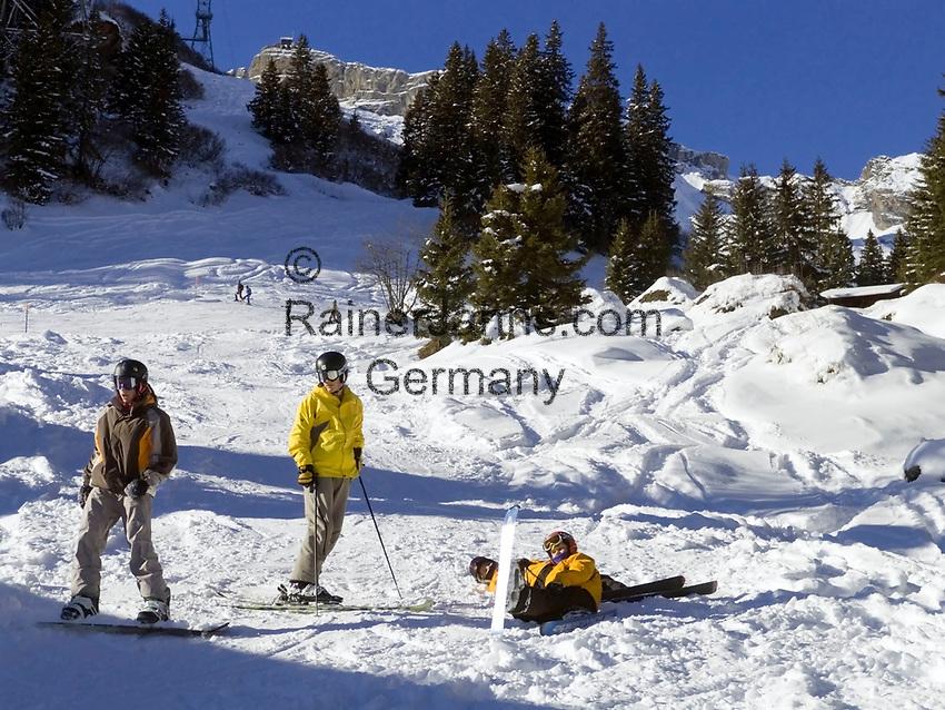 CHE, Schweiz, Kanton Bern, Berner Oberland, Muerren: Skipiste im Gebiet Allmendhubel | CHE, Switzerland, Canton Bern, Bernese Oberland, Muerren: ski slope