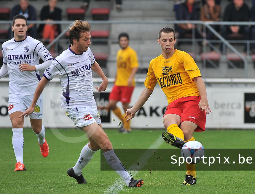 Racing Waregem - SW Harelbeke : Kim Van Brabander (rechts) aan de bal voor Gauthier Lauwers<br /> foto VDB / Bart Vandenbroucke