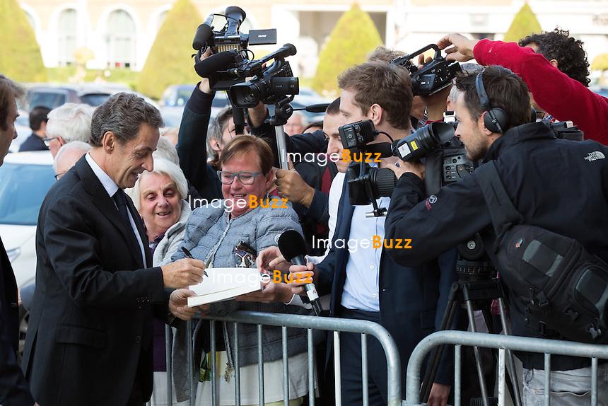 Nicolas Sarkozy rencontre Natacha Bouchart, la maire de Calais, lors d'une table ronde sur la situation migratoire &agrave; Calais, France, le 21 septembre 2016. <br /> Former French president Nicolas Sarkozy meets Calais mayor Natacha Bouchart in Calais, France, on September 21th, 2016.