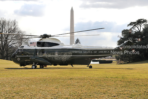 Washington, DC - February 16, 2009 -- Marine 1, with United States President Barack Obama and his family aboard, on the South Lawn of the White House after the Obamas spent a week-end in Chicago, Illinois on Monday, February 16, 2009..Credit: Ron Sachs - Pool via CNP