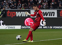 Torwart Koen Casteels (VfL Wolfsburg - 23.11.2019: Eintracht Frankfurt vs. VfL Wolfsburg, Commerzbank Arena, 12. Spieltag<br /> DISCLAIMER: DFL regulations prohibit any use of photographs as image sequences and/or quasi-video.