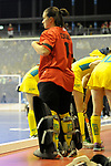 Berlin, Germany, February 09: During the FIH Indoor Hockey World Cup Pool B group match between Germany (black) and Australia (yellow) on February 9, 2018 at Max-Schmeling-Halle in Berlin, Germany. Final score 2-2. (Photo by Dirk Markgraf / www.265-images.com) *** Local caption *** Elizabeth DUGUID #11 of Australia