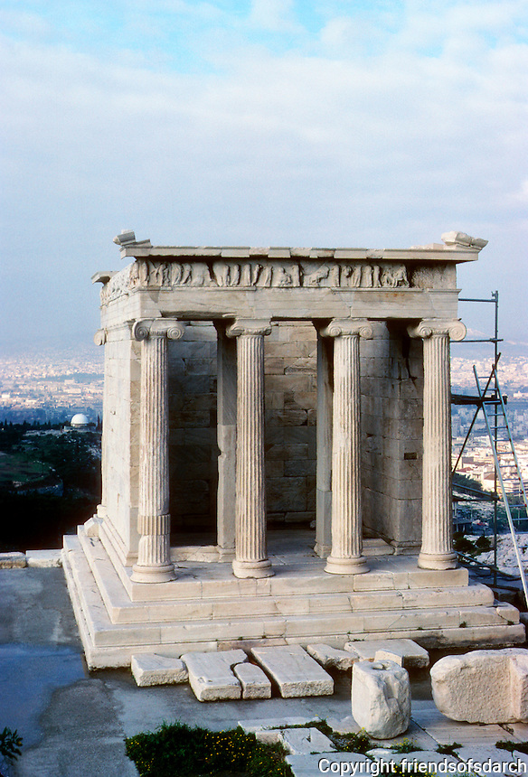 Athens: Temple of Nike (Winged Victory). The Propylaea. Photo '82.