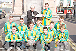 SPONSORS: Aidan Teahan (The Grand Hotel) presenting a cheque to Luke Mulligan, Captain of Kingdom Boys Under 16 Soccer Team, in Tralee on Sunday. Also in pic are: Jeffrey Roche, Stephen Bartlett, Tommy McCarthy, Peter Crowley, David McLoughlin, Cian Tobin, James O'Donoghue, Jonathan Lyne and Stephen O'Shea..
